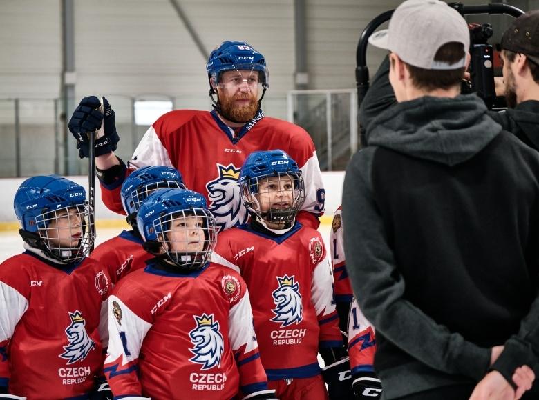 Natáčeli jsme kampaň pro Pojď hrát hokej s Jakubem Voráčkem